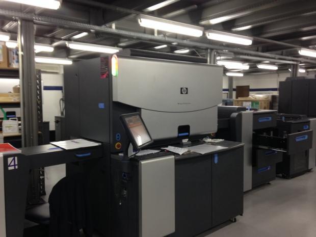CÓD. 109 - HP Indigo 7500 com Up grade 7600, 7 cores