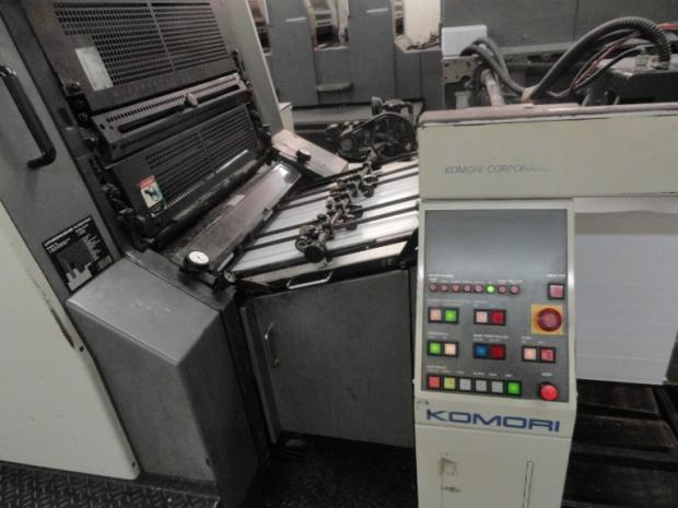 CÓD. 247 - Mod. Lithrone L28 ano 2000 / 2001