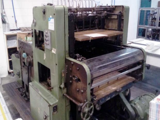 CÓD. 589 - Automática, formato 60 x 80 cm