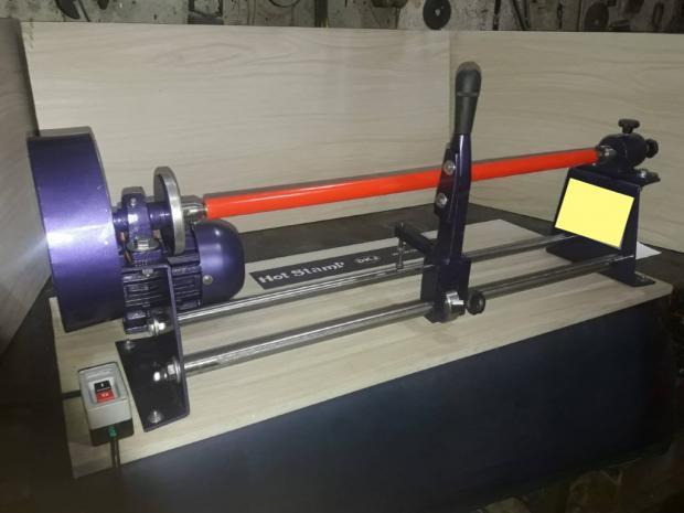 CÓD. 1300 - Máquina de cortar bobina 90 mm